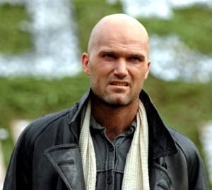 Лысый актер Егор Баринов